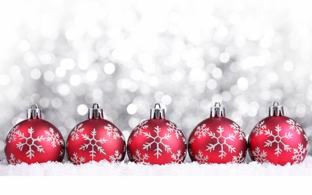 Red-Christmas-decorations-christmas-22228015-1920-1200 (640x400)
